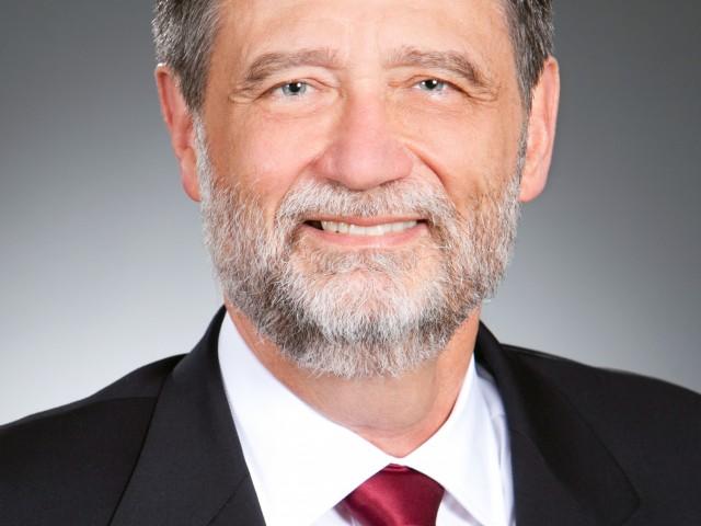 Russell Lukas